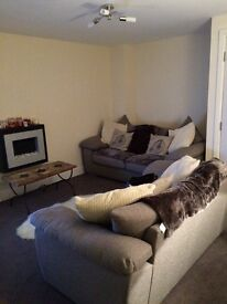 Double room with private bathroom in beautiful modern home.