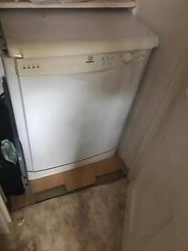 Indesit dishwasher white great condition
