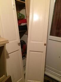 2 folding doors