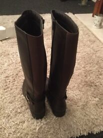 Brown boots. Size 7. Brand new