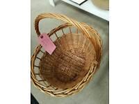 Basket. Delicia