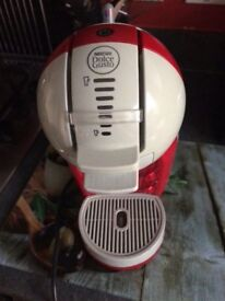 Nescafe Dolce Gusto in Red