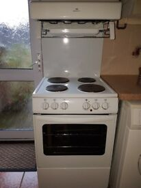 NEW WORLD Freestanding Electric Oven and hob