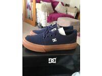 Boys size 11 DC shoes navey blue
