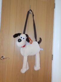 Beautifully Soft And Cuddly Gromit The Dog Shoulder Bag - an ideal gift!