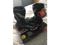Size 10 RST TRACTECH EVO BOOTS
