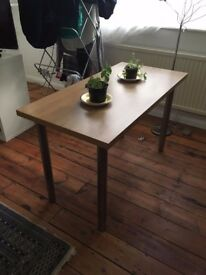 Table in excellent condition for sale!