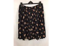 LADIES EASTEX PLEATED FLORAL SKIRT WITH ELASTICATED WAIST SIZE 20