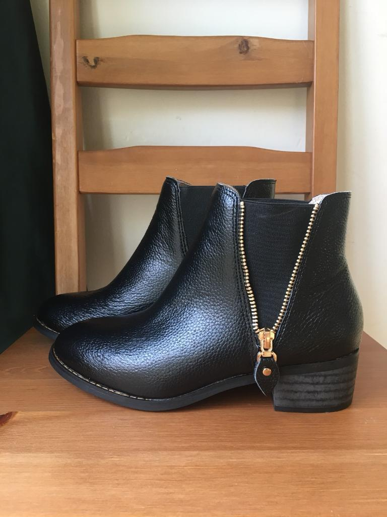 Brand new leather Chelsea boots uk4