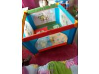 Square travel cot play pen