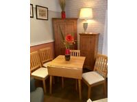 Small extending table and chairs vgc