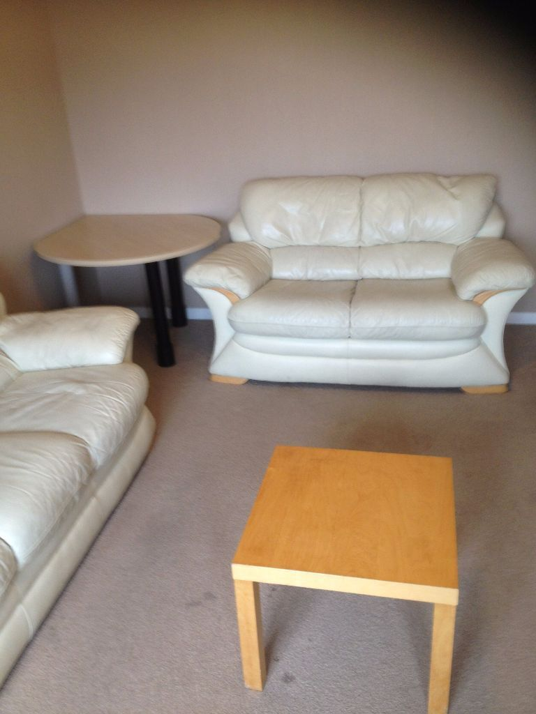 MODERN 2 BED APARTMENT TO RENT IN NEWBURY PARK FOR £1200PCM!! PRIVATE PARKING AVAILABLE!