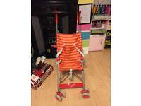 Umbrella fold pushchair