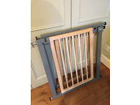 Lindam Sure Shut Deco Contemporary Wood Metal Stair Gate x2 (two stairgates)