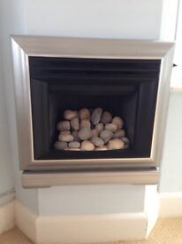 Valor Icon live fuel effect natural gas fire