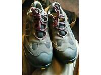 Size 11 Dunlop Safety Shoes