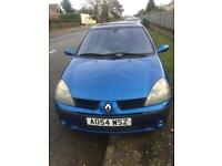Renualt clio 54 blue very realible car good engine spares or repair mot