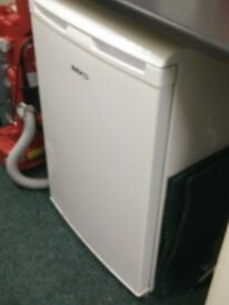 Beko Undercounter fridge/freezer hardly used