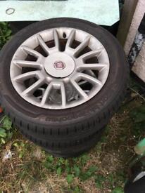 Fiat Bravo Alloys W/ 2 usable tyres