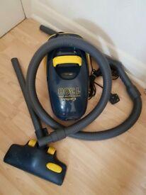 Carlton 1300 Vacuum Cleaner