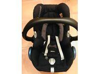 Maxi cosi cabriofix car seat in black raven and familyfix isofix base - excellent condition