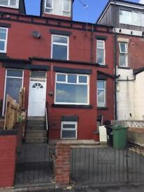 3 bedroom house to let with garden