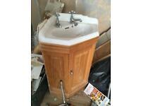 Heritage corner bathroom vanity unit with taps