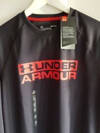 BNWT 'M' LONG SLEEVED MENS UNDER ARMOUR