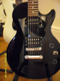 EPIPHONE Special, Les Paul style model in Black. In great condition, Well Kept