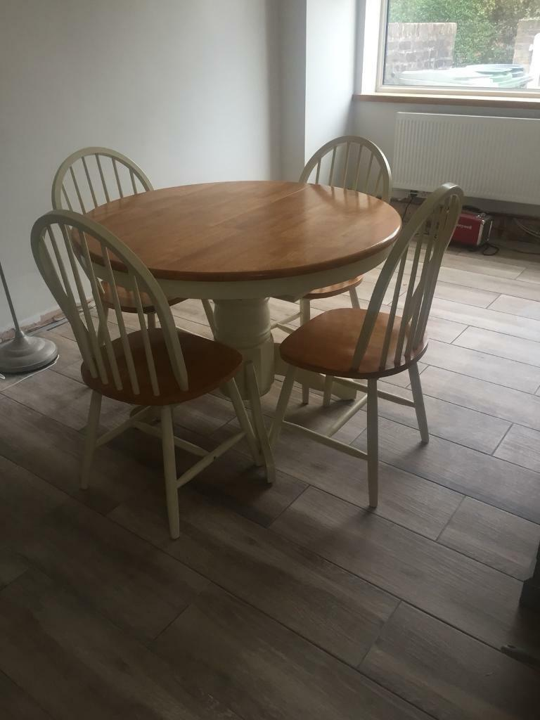 Cream Oak Round Extendable Dining Table Chairs In Wilmslow Cheshire Gumtree