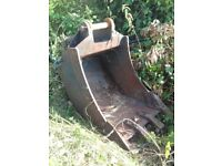 24 inch new Holland digger bucket