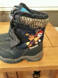 Paw patrol snow boots size 6