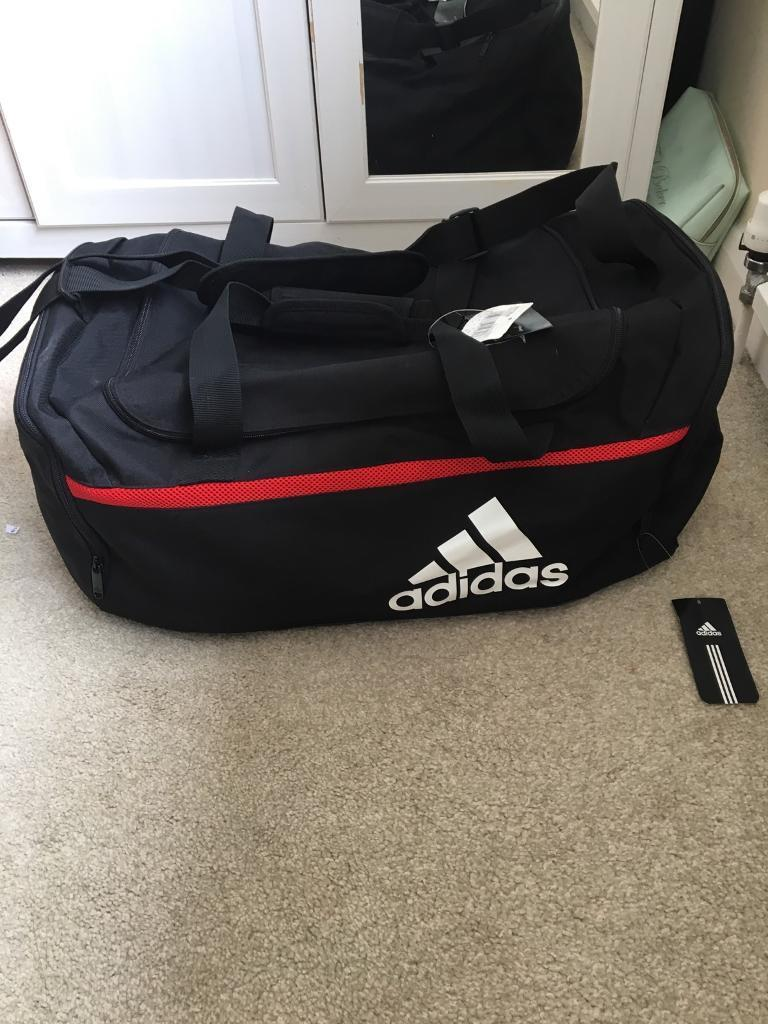 Large Adidas Gym Black Bag Holdall  386f09d0c34ce