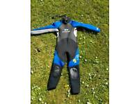 Wet suit kids 7 to 8 years old.