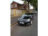 Vauxhall Astra 2006 Coupe Hatch back black. Cheap and affordable
