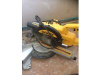 Dewalt Saw DWS773-GB / Dewalt Multi-Tool Brushless DCS355D2-GB 18V 2.0AH