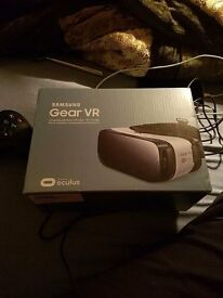 Samsung VR virtual reality headset for sale works with s6 variants and s7 variants