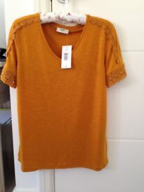 SUMMER TOP - BRAND NEW - WITH TAG