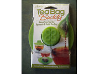 NEW in original packaging green Primula Tea Bag Buddy – keeps your tea hot; squeezes & holds tea bag