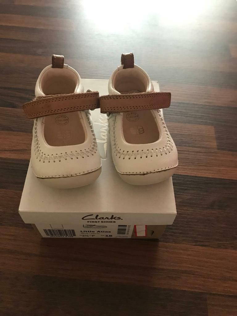 Clark's first Baby shoes - cream