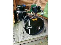 Drum kit (ddrum death punx 4 piece)