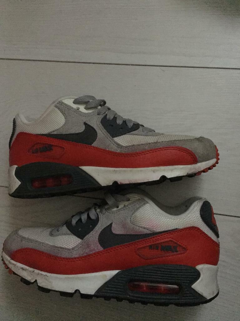 Nike air max 90 size 5.5in Stoke on Trent, StaffordshireGumtree - Nike air max 90 size 5.5 just need a clean thats all in good condition