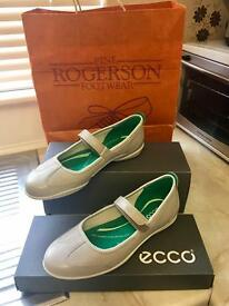 ECCO Shoes!