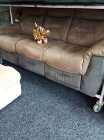 Exdisplay lazy boy recliner sofa bargain