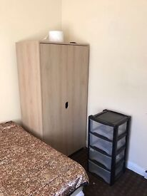 2 rooms to let near City centre and uni/college free wifi and bills included