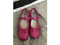 Clark's girls shoes 12 1/2