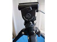 Velbon DV-7000 video tripod