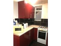 Studio Flat to rent in East Acton. DSS applicants accepted. £1050 pcm. Brand NEW. Including Bills.