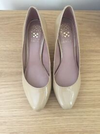 Vince Camuto nude court shoes- size 3