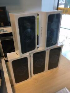 Iphone  Iphone 6 6S SE Plus 7 Samsung Galaxy 5 6 7 comme neufs Ste-Foy
